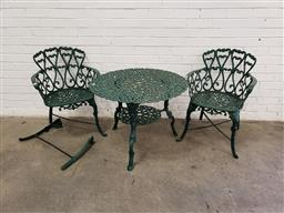 Sale 9102 - Lot 1318 - Cast iron 3 piece garden suite - needs screws (h:61 x d:81cm)