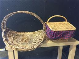 Sale 9152 - Lot 2517 - French flower and picnic basket