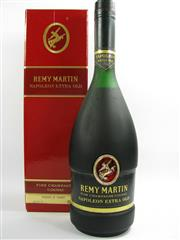 Sale 8278 - Lot 1769 - 1x Remy Martin Extra Old Napoleon Cognac - old bottling, in box