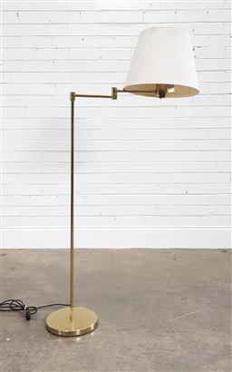 Sale 9188 - Lot 1642 - Brass floor lamp with articulated arm (h:140cm)
