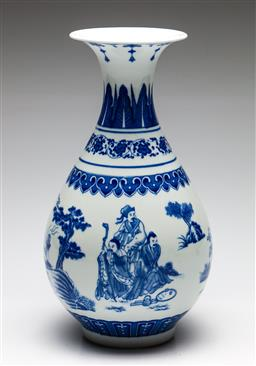 Sale 9238 - Lot 90 - A ceramic Chinese vase in blue and white (H:30cm)