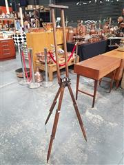 Sale 8872 - Lot 1013 - Vintage Oak Artists Easel