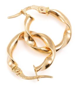 Sale 9128J - Lot 20 - A PAIR OF 18CT GOLD HOOP EARRINGS; 3mm wide hollow twist hoops to lever back fittings with Italian hallmarks, length 18mm, wt. 1.30g.