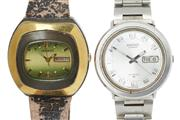 Sale 8605 - Lot 476 - VINTAGE CITIZEN BLACKIE & A SEIKO AUTOMATIC WRISTWATCH; two tone cushion form case, green dial, applied markers, center seconds, wit...