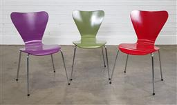 Sale 9210 - Lot 1042 - Set of 3 ant style chairs (h:82cm)