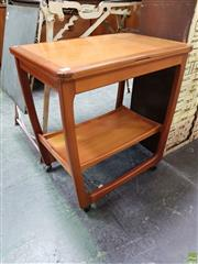 Sale 8566 - Lot 1106 - Quality Beithcraft Foldover Tea Card Table Trolley