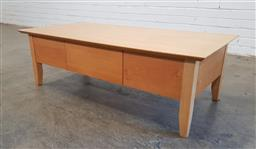 Sale 9166 - Lot 1046 - Beech modern coffee table with centralized drawer (h40 x w121 x d45cm)
