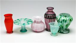 Sale 9190 - Lot 65 - A collection of art glass vases (H:5cm to 15cm)