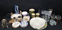 Sale 9254 - Lot 2361 - Collection of sundries incl. glassware, ceramics, silverplate and others