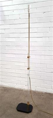 Sale 9076 - Lot 1027 - Lucite and brass floor lamp (h:176cm)