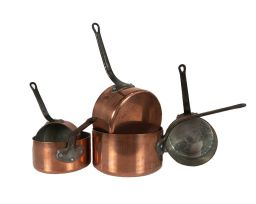 Sale 9150J - Lot 52 - A graduated set of 5 vintage French chef quality heavy gauge copper cooking pans. Approx. 2.2 mm thick 12- 22 cm wide