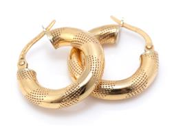 Sale 9221 - Lot 314 - A PAIR OF 18CT GOLD HOOP EARRINGS; 4mm wide hollow hoops to lever fittings, length 19mm, wt. 2.22g.