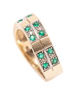 Sale 9260H - Lot 319 - A 9ct gold diamond and stone set ring; wave design set with 6 single cut diamonds and 12 round cut synthetic emeralds, width 5.9mm,...