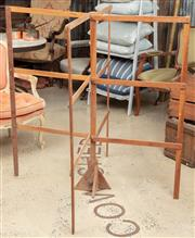Sale 9060H - Lot 59 - A pine collapsible laundry rack of clever design. Diameter when extended 119cm