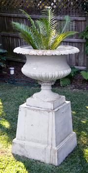 Sale 8088A - Lot 3 - Large cast iron garden jardiniere on stand  approx. 135 cm tall overall
