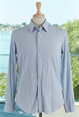 Sale 9120K - Lot 82 - A Giorgio Armani cotton long sleeve button up shirt; with blue dotted detailing. Size mens 39/15.5