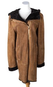 Sale 8550F - Lot 64 - An Italian mocha sheep skin leather coat, chocolate coloured lining, full length zip, and hood, size L.