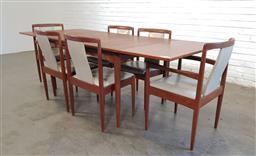 Sale 9171 - Lot 1079 - Parker seven piece dining setting incl. draw leaf extension table & six chairs (h:73 w:132 d:91cm)
