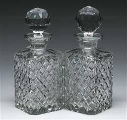 Sale 9164 - Lot 483 - Pair of cut crystal decanters (H:22cm)