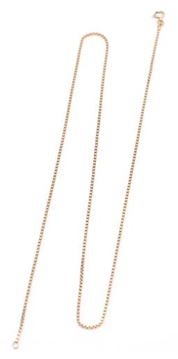 Sale 9194 - Lot 520 - AN 18CT GOLD BOX CHAIN; a 1.35mm wide links to bolt ring clasp, length 59cm, wt. 9.49g.