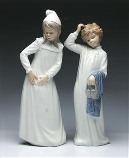 Sale 9098 - Lot 465 - Two Nao figures in night gowns (H29.5cm & 27.5cm)