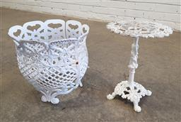 Sale 9151 - Lot 1429 - Metal pot stand and planter (h:34cm)