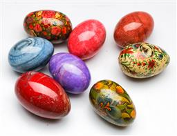 Sale 9144 - Lot 419 - Small collection of eggs inc handpainted and stone examples