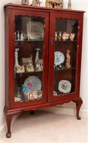 Sale 8926K - Lot 82 - An Australian corner display cabinet by J McCain, featuring two glass panel doors H 129 x W 86 x D 41cm