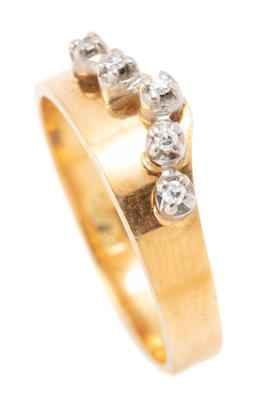 Sale 9182 - Lot 339 - AN 18CT GOLD DIAMOND BAND; a 6.3mm wide set with 5 round brilliant cut diamonds, size M1/2, wt. 3.28g.