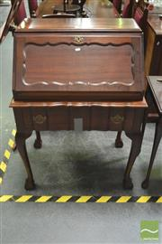 Sale 8299 - Lot 1014 - Dutch Colonial Fruitwood Bureau