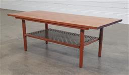 Sale 9188 - Lot 1232 - Retro coffee table with chess board top (h:37 x w:103 x d:35cm)