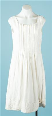 Sale 9027F - Lot 14 - A Veronika Maine ivory silk linen blend pleat front dress. Size 10.