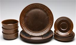 Sale 9253 - Lot 277 - A small Wedgwood Pennine suite of ceramics incl. 4 dinner plates, 4 side plates, 3 saucers and 3 bowls
