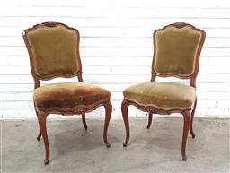 Sale 9102 - Lot 1106 - Pair of French style upholstered dining chairs (h:95 x w:41 x d:52cm)