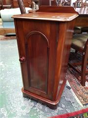 Sale 8576 - Lot 1056 - Victorian Mahogany Bedside Cabinet, with rounded corners & single door