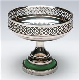 Sale 9164 - Lot 3 - A Lewbury of Melbourne, Australia, art deco silverplated comport with green Bakelite inset (H:11cm Dia:12cm)