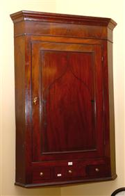Sale 7997 - Lot 34 - VICTORIAN MAHOGANY CORNER UNIT WITH INTERNAL SHELVING AND SINGLE DRAWER