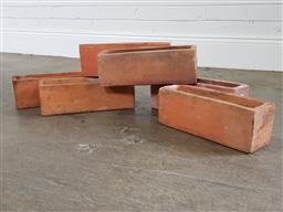 Sale 9255 - Lot 1480 - Collection of small terracotta planters (h:10 x w:34 x d:8cm)