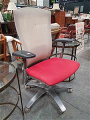 Sale 8872 - Lot 1086 - Life Chair by Formway/Knoll - Top of the range. Aluminium base, clear casters and seat depth adjustment