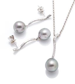 Sale 9260H - Lot 353 - A white gold Tahitian pearl and diamond pendant necklace and earrings suite; each an 18ct white gold S shape bar drop set with 13 ro...