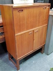 Sale 8550 - Lot 1053 - Turnidge of London Cocktail Cabinet