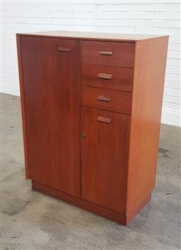 Sale 9188 - Lot 1095 - G-Plan fitted lowboy with 3 drawers and 2 doors (h:118 x w:93 x d:45cm)
