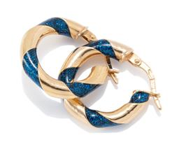 Sale 9186 - Lot 347 - A PAIR OF GOLD HOOP EARRINGS; 3.5mm wide hollow twist hoops set with sparking blue lacquer to lever fittings, length 18mm, wt. 1.84g.