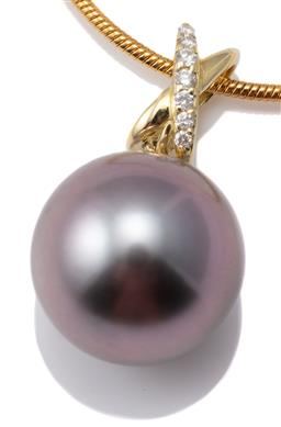Sale 9124 - Lot 410 - A TAHITIAN PEARL AND DIAMOND PENDANT; featuring a 14mm round cultured pearl of good colour and lustre to 18ct gold kiss bale set wit...