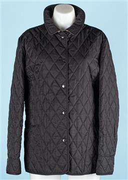 Sale 9091F - Lot 217 - A LADIES BURBERRY QUILTED 3/4 COAT, with classic Burberry print lining and push clap button up, Size L-XL