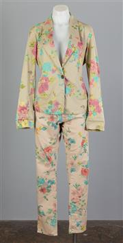 Sale 8661F - Lot 48 - A floral printed casual blazer by Souvenir, size medium/large together with a similar pair of pants by Please, size large
