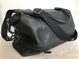Sale 9150H - Lot 111 - A Samsonite black leather overnight bag with zip top closure, double handles and adjustable over body strap, size Height 40cm x Leng...