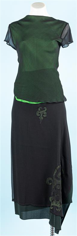 Sale 9091F - Lot 67 - A NICOLA FINETTI PURE SILK PIECE SET;black cap sleeve top lined in green along with ankle length wrap skirt, size Medium