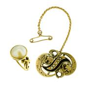 Sale 8253 - Lot 357 - TWO ANTIQUE JEWELLERY ITEMS; an 18ct gold ring with later mabe pearl size N and a gold cased mourning brooch of scroll form set with...