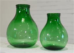 Sale 9174 - Lot 1440 - Pair of graduated green glass vases (h35cm)